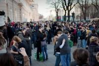 Schmusen Flashmob für Weltfrieden