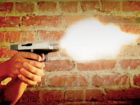 How to make gun muzzle flare shots